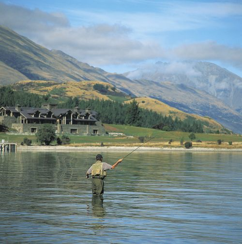 Fly-fishing-Lake-Wakatipu